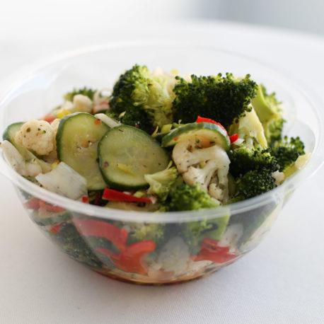 Brokoli-lillkapsasalat